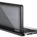 Ноутбук работает от энергии солнца