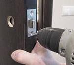 Можно ли сделать деньги на ремонте дверей?